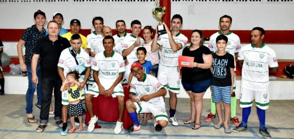 VILA NOVA | Final do campeonato de futsal amador é marcada por vitória do time Veteranos; fotos